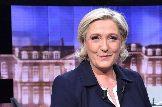 مارين  لوبان تفوز بمقعد في الانتخابات التشريعية  في  فرنسا   .