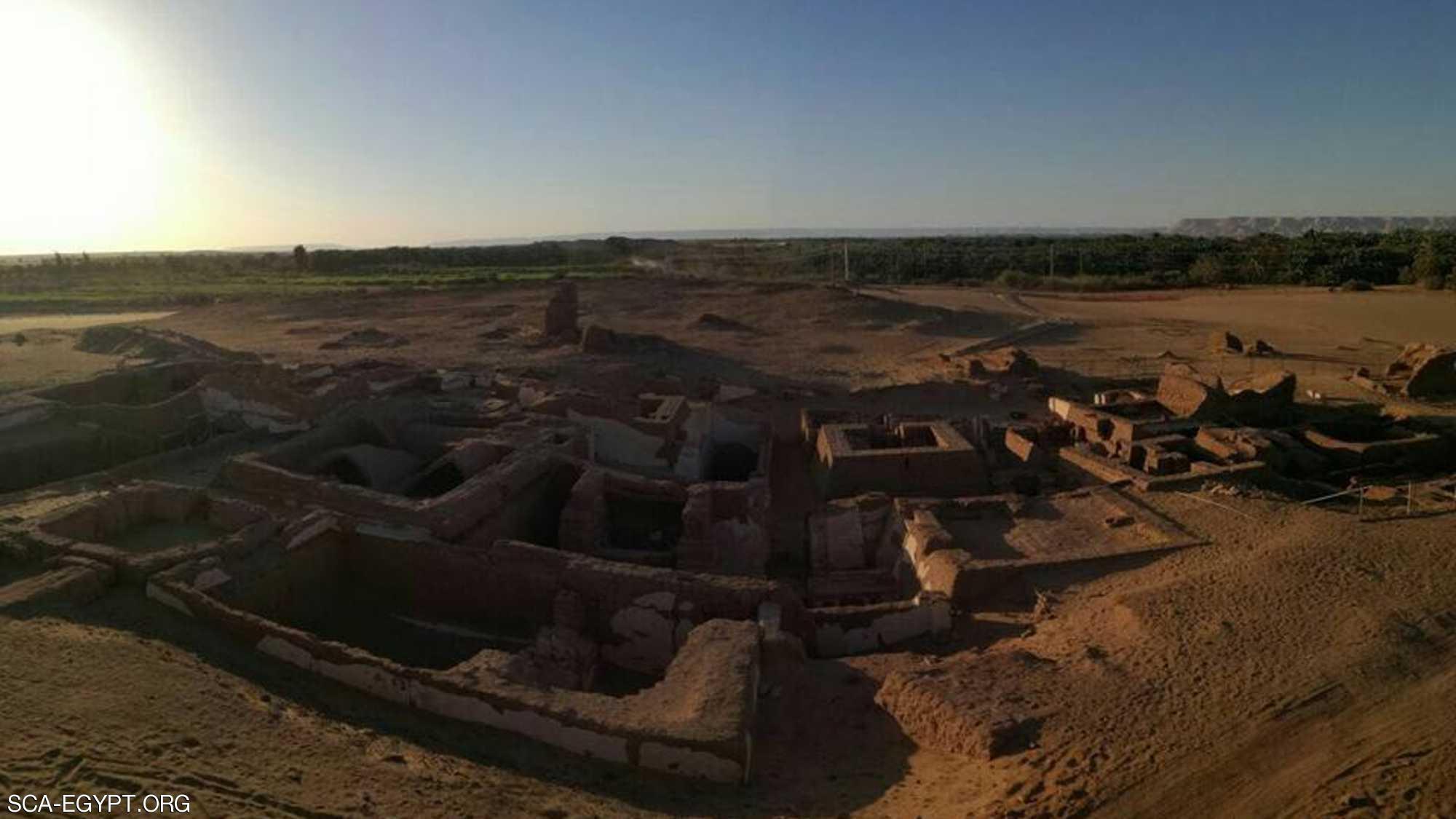 مصر.. اكتشاف مقابر تعود إلى العصر الروماني