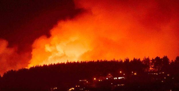 حرائق مدمرة تجتاح كاليفورنيا  الاميركية   ..  وإعلان حالة الطوارئ